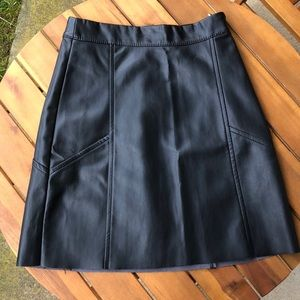 BOGO🔥Sexy faux leather mini skirt 🔥 video at end